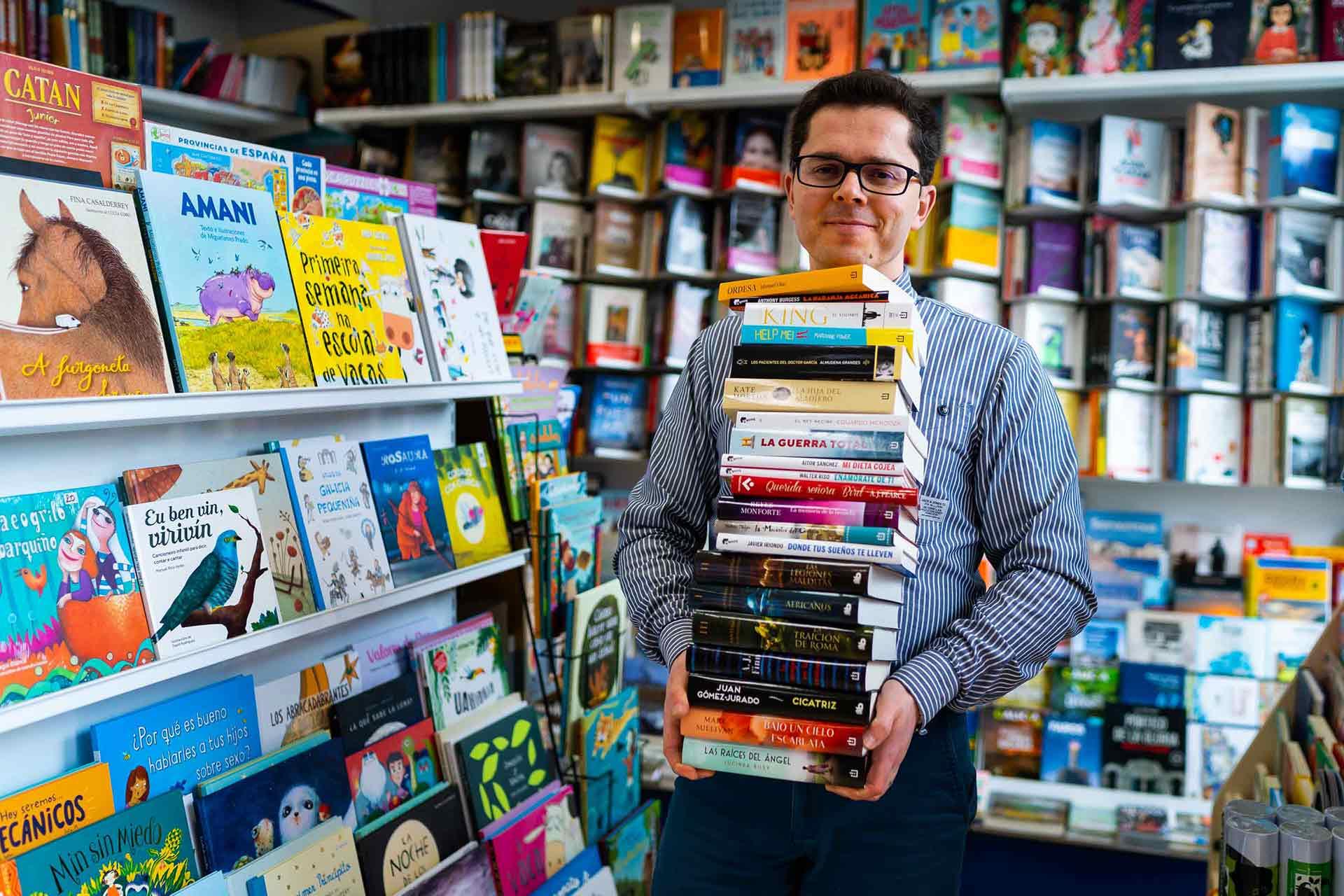 buscas una libreria en sanxenxo o en portonovo? En libreria Numara te asesorarmos segun tus gustos para que encuentres el libro más adecuado.
